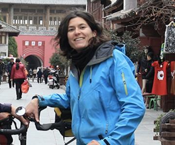 Emmanuelle Nater, membre du Comité de L'Association romande pour le voyage à vélo